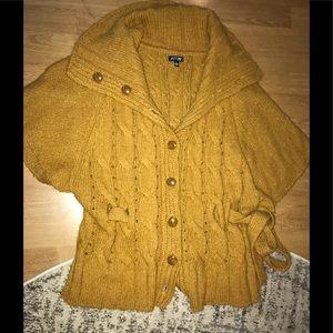 EUC Mustard Yellow Sweater 😍☺️